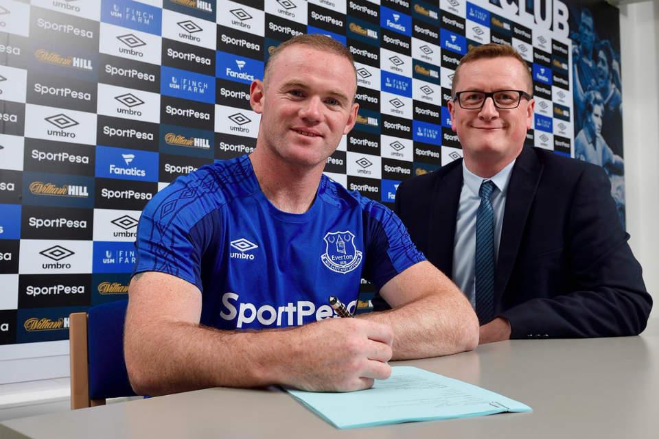 Rooney menandatangani kontrak dengan Everton