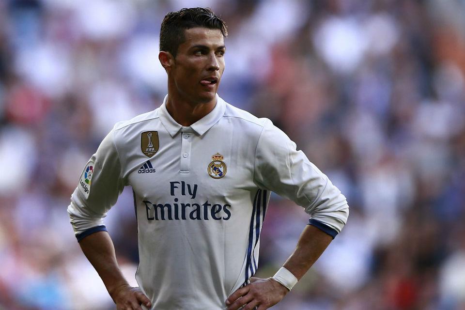 Pertemuan Ronaldo dengan Man United jadi sorotan